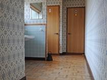 【館内】共同のトイレはすべて和式です。