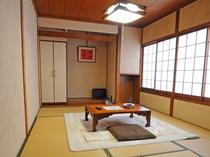 【和室6畳】和のテイストに溢れた2名様までご利用できる鍵付きの客室です。
