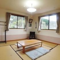 *【和室8畳一例】畳のお部屋でゆっくりお寛ぎください。