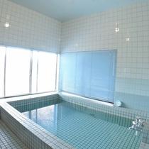 *【大浴場】3~4人が入れる浴場(男女入替制)