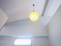 【洋室ツイン】天井高く開放的!