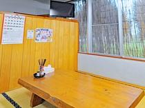 【食堂】大きなテーブルで皆でわいわい♪