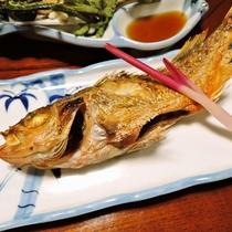 *【夕食一例】女将が真心込めて作る磯料理