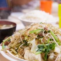 波布(はぶ)食堂 山のような豆腐チャンプルー定食!