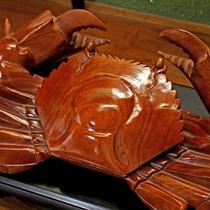 木彫りのカニ