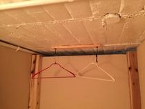 秘密基地型二段ベッド ベッド内ハンガー