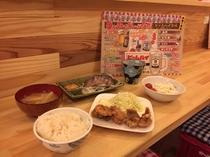 飲食スペース「しんみちフードラボ」 夕飯セット