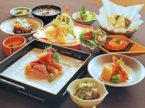 【ご夕食一例:くまげらプラン】秋田の季節の食材を大切にしたお料理をお愉しみいただけます。