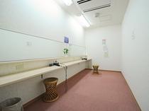 【女性用化粧室】女性に嬉しい化粧室完備!