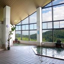 *【温泉/大浴場】当施設には2つの源泉を引く大浴場があります。違った効能を持つ湯をお楽しみください。