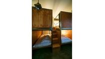 8-10名ドミトリー部屋ベッド