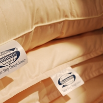 シモンズ社製枕でワンランク上の寝心地を〜