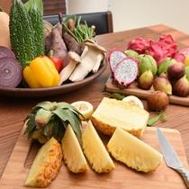 【沖縄の野菜でお料理もどうぞ】