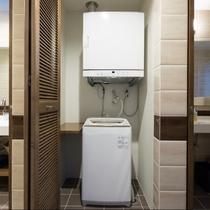 【設備】洗濯機と乾燥機は長い滞在時には便利です