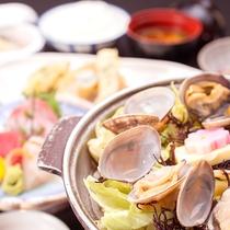 *お気軽会席一例/春はアサリやキャベツが旬!銚子灯台キャベツと飯岡産アサリの旨味たっぷり蒸し煮