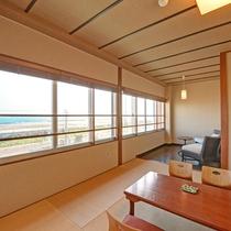 *和室一例/10畳の和室に3畳の縁側スペースが付いたゆったりとしたお部屋です。