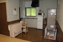 全室にキッチン、調理器具、食器完備