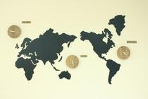 世界地図と世界時計
