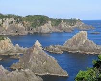 【海金剛】大島海金剛までホテルよりお車で約20分です。巨岩が海面から突き出す様子には迫力が感じらます