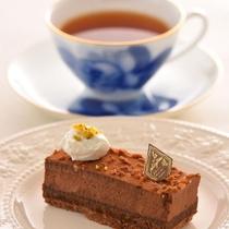 グランドテラスで提供される、ティー&ケーキのセット