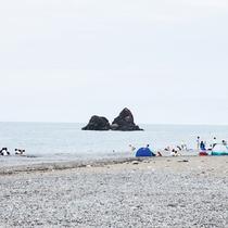 夏は海水浴だ!親不知海水浴場まで車で5分(イメージ)