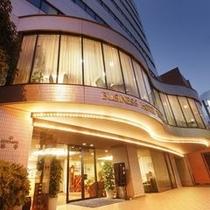 【外観】奥道後天然温泉引き湯の宿『ホテル泰平』正面玄関
