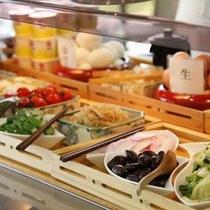 【朝食】全30品目!ボリュームたっぷりの手作りバイキング ※料理一例