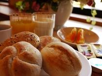 朝食・パン一例