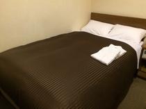 セミダブルルーム(ベッド幅120cm)