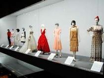 神戸ファッション美術館(徒歩2分)