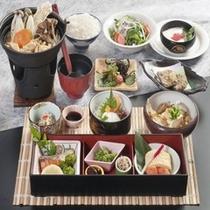 当館自慢の七福味噌鍋が付いた朝食御膳