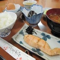 嬉しいご飯おかわり自由!日替わり和朝食