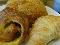朝食 ~焼き立てデニッシュパン~