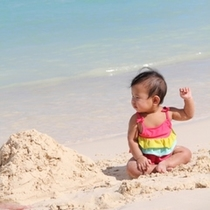 海デビュー赤ちゃん
