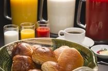 朝食(パン・ドリンクバー)