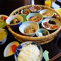 *朝食一例/ご宿泊状況により「姫朝膳」またはミニバイキングとなる場合もございます。