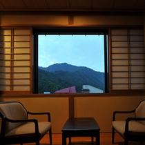 *客室一例/2階の客室からは坂戸山の眺めをご覧いただけます。※ご希望の際はお問い合わせ下さい。