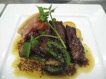 お肉料理の一例