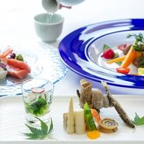 <さくら和洋折衷コース>和前菜から始まり、メインは洋食のコース