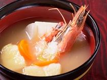 出しの効いたお味噌汁(朝食)