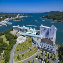 ホテル全景山側(2016年6月撮影)