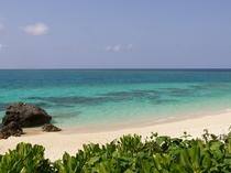 【周辺】イギツビーチ。ハートの岩があるビーチ。連続ドラマのロケ地にもなりました。