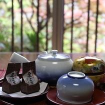 *[部屋]まずはお部屋でお茶をどうぞ(一例)
