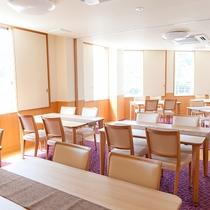 【会議室】28畳の洋室で、5名様以上よりご利用可能です。