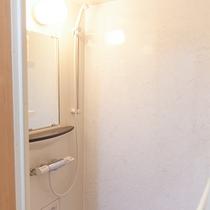 【シャワールーム】宴会場や団体宿泊室にそれぞれ完備!