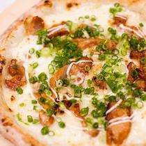【てりやきピザ】子供から大人まで大人気♪甘辛いお肉とチーズが絶妙!