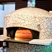【ピザの店いれぶん】石釜で焼き上げた本格マリノピザを堪能!