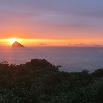 【お部屋からの景色】五島灘に沈む雄大な夕陽