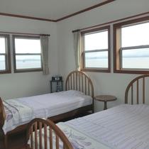 【客室一例】西海の美しい海が一望できるオーシャンビュー客室
