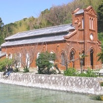【堂崎天主堂】赤レンガのゴシック様式の建物が印象的
